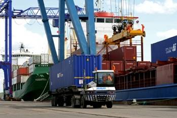 File Container Port Operations: Photo credit ABP