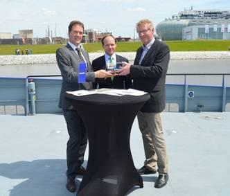 File From left to right Frank de Lange (Damen),Caspar Spreter (Windea) andKnut Gerdes (Windea)