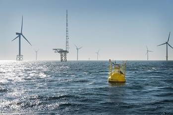 File The Fraunhofer IWES' LiDAR wind-measuring buoy was installed near the FINO1 meteorological mast. The buoy measures wind speeds at heights of 40-200 m.