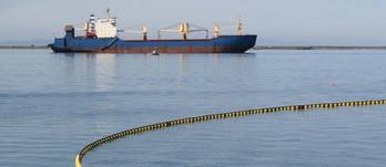 File Oil spill scenario: Photo CCL