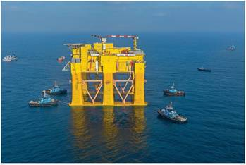 File Smit Lamnalco tugs provide vital support for world's largest HVDC platform transfer and float-over