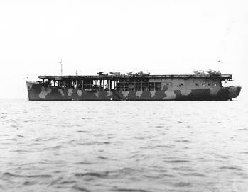 File USS Long Island (Photograph from the Bureau of Ships Collection in the U.S. National Archives.)