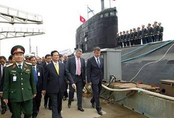 File Vietnam PM on earlier visit to submarine Hanoi: Photo credit the shipbuilder