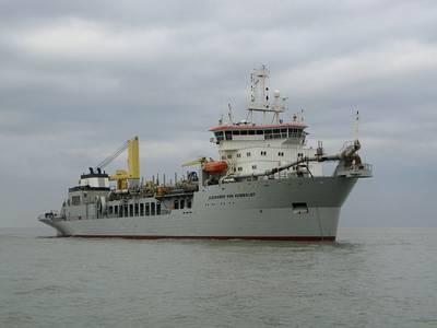 A large dredger: Photo Wiki CCL