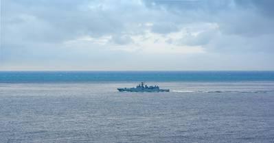 A russian naval vessel underway at sea (© AdobeStock)