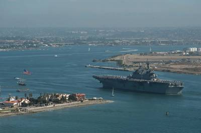 'America' arrives San Diego: Photo USN