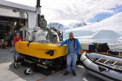 Antarctic Dive: Photo courtesy of Triton