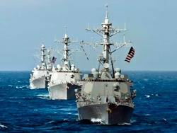 Arleigh Burke Class Destroyers: Photo credit USN