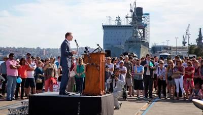 Arrival HMAS Melbourne: Photo credit RAN