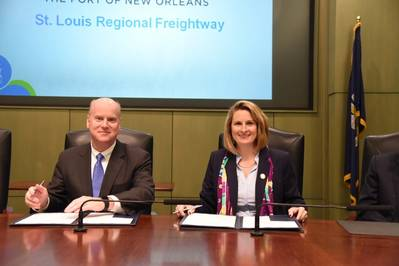 Brandy D. Christian (Right), President and CEO of the Port of New Orleans, and John M. Nations, President and CEO of Bi-State Development, sign an MOU Feb. 23, 2017 at the Port Administration building between the Port and the St. Louis Freightway. Photo Port of New Orleans