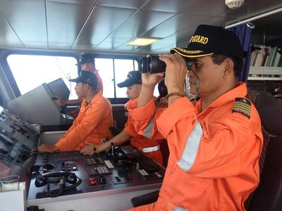 Bridge team: Photo courtesy of Philippine Coast Guard