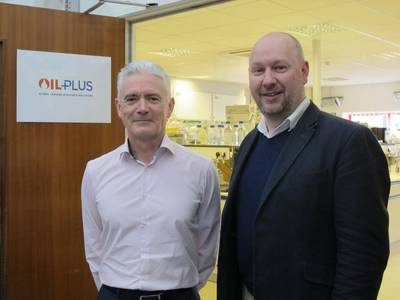 Mark Cavanagh (right) who has acquired Oil Plus beside the company's managing director Kevin Murray.  (Photo: Oil Plus)