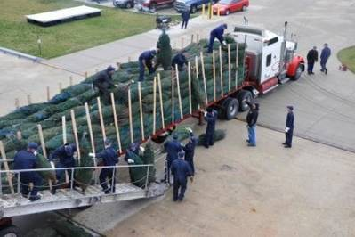 Christmas tree loading: Photo credit USCG