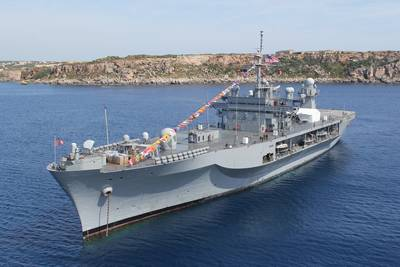 Command ship USS Mount Whitney: Photo USN