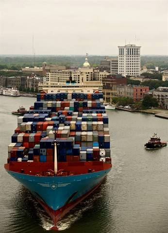 Containership in the port of Savannah, GA