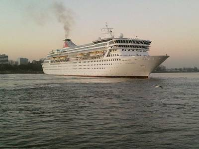 Cruise Ship 'Balmoral': Photo credit Wiki CCL 'Berthfmn'