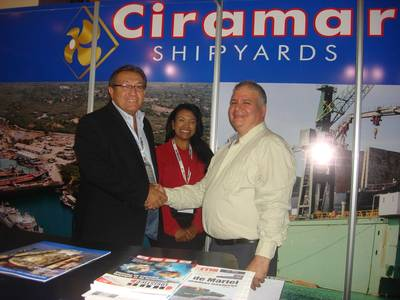 Dante Badaracco, Commercial Director of Ciramar Shipyards (left); Marnin Castillo, Senior Sales Manager of Ciramar Shipyards (center) and Rubén Diaz, President of Del Mar Marine Corp. (right).