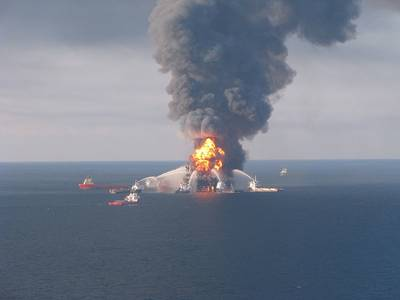Deepwater Horizon Accident: Photo credit USCG