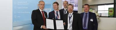 DNV GL presented GTT and TECHNOLOG with a GASA statement for the retrofit of very large container vessels (VLCVs) with exoskeleton membrane LNG tanks. From left to right: Helmut Radebold, TECHNOLOG, Geoffroy Beutter, GTT, Henning Pewe, DNV GL - Maritime, Gerd-Michael Würsig, DNV GL – Maritime, Hans-Jürgen Voigt, TECHNOLOG. Photo: DNV GL