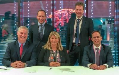 Doug Pferdehirt (left), CEO TechnipFMC, Torger Rød, SVP Equinor, Margareth Øvrum, EVP Equinor, Kjetil Hove, SVP Equinor, and Luis Araujo, CEO Aker Solutions. Photo: Equinor