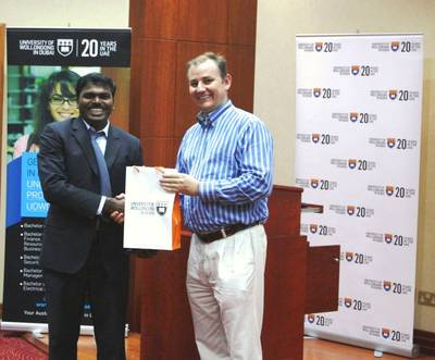 Dr. Balan Sundarakani, Associate Professor and Program Director (Msc Logistics), Faculty of Business and Management, UOWD (left) with Frank Courtney, Barloworld Logistics Chief Executive for the EMEA region (right)