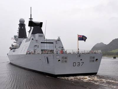'Duncan' Leaves the Clyde: Photo credit MOD