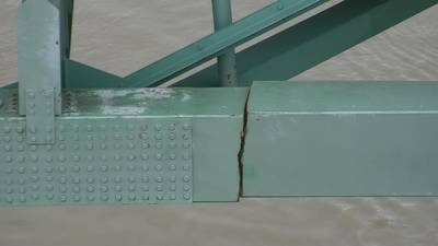 Earlier this month, a significant crack discovered on the Hernando DeSoto Bridge brought Mississippi River traffic to a halt near Memphis, freezing more than 60 vessels and 1,000 barges. (Photo: Tennessee Department of Transportation)