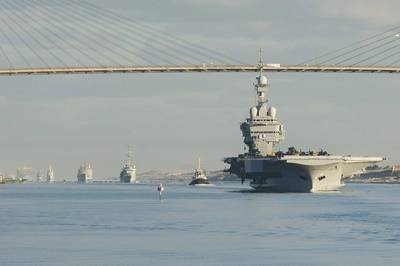 File photo: French Navy nuclear aircraft carrier Charles de Gaulle (R91) (Official French navy photo)