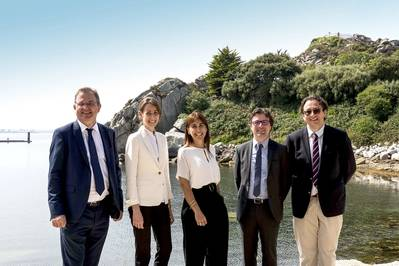 From left to right: Frédéric Pouget, Brittany Ferries' Fleet and Operations Director - Eugenia Bertrand Alonso, Head of LNG Bunkering - Laura Rejón-Pérez, Repsol's Wholesale & Gas Trading Director - Bertrand Crispils, LNG and Alternative Fuels Technical Manager - Nicolas Jobin, Legal & Insurance executive – legal dept. (Image file) Image: Brittany Ferries