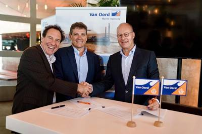 From left to right: Jacques Stoof (Mammoet), Trevor Bourne (Verton) and Paul Verheul (Van Oord). Photo: Van Oord