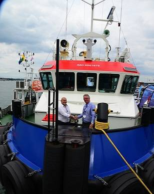 GPS Managing Director John Spencer (left) with Casper Vermeulen, Sales Manager Europe, Damen Shipyards Gorinchem on board the Shoalbuster at Seawork