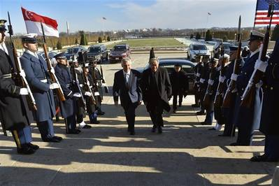 Hagel, Ng in Singapore: Photo credit US Govt.