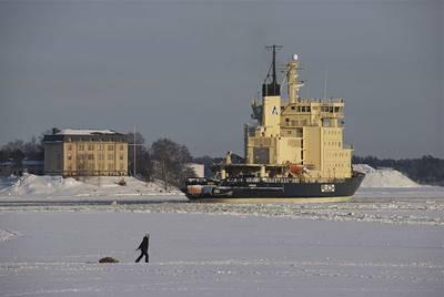 Icebreaker 'Urho': Photo Wikimedia CCL Fintaship Urho