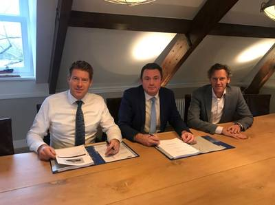 Johan van Beek, managing director EMAR Offshore Services, Vincent de Maat, sales manager Damen and Wilbert Versteeg, commercial director EMAR Offshore Services, during the contract signing for a Damen ASD Tug 2811.  Photo: Damen