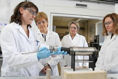 Left to Right, Dr Lorraine Boak, Research Fellow, FAST Lab, Heriot Watt; First Minister Nicola Sturgeon; Elisabeth Proust, Managing Director, Total E&P UK; Dr Gillian Murray, Deputy Principal, Business and Enterprise, Heriot-Watt University. Photo supplied by Heriot-Watt University