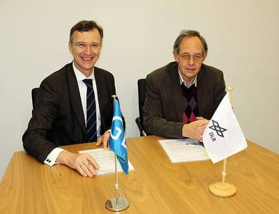 (left to right) Dr Pierre C. Sames, Senior Vice President Research and Rule Development of GL and Dr. Dietmar Heyland, Deputy Head of DLR Technology Marketing , DLR sign the agreement.