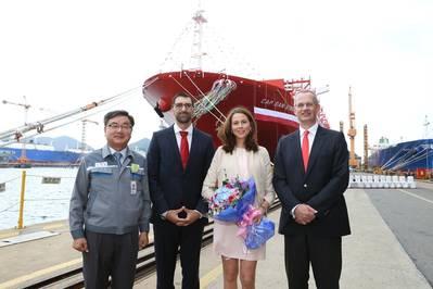 Left to right: Sung-Geun Lee, DSME executive vice president, shipyard general manager; Fawad Neiro, sponsor Susanne Neiro, K+S Transport; and Dr. Arnt Vespermann, member of the Hamburg Süd executive board. (Photo: Hamburg Süd)