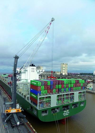 LHM 600 (with a 12meter tower extension) at the Buenos Aires Container Terminal