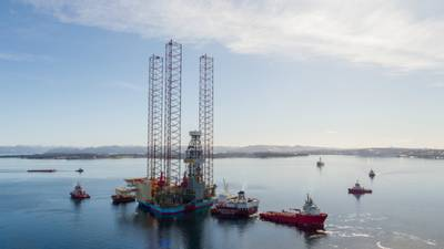 Maersk Invincible in the fjord outside Stavanger before being towed out to the Vallhall field (Photo: Maersk Drilling)
