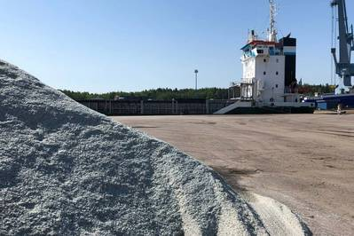 Meriaura's 'Lotta VG' is loading glass cullet, i.e. crushed recycled glass in Naantali, Finland. Lotta VG brings the cargo to UK where the recycled glass is reused as raw material. Photo: Meriaura