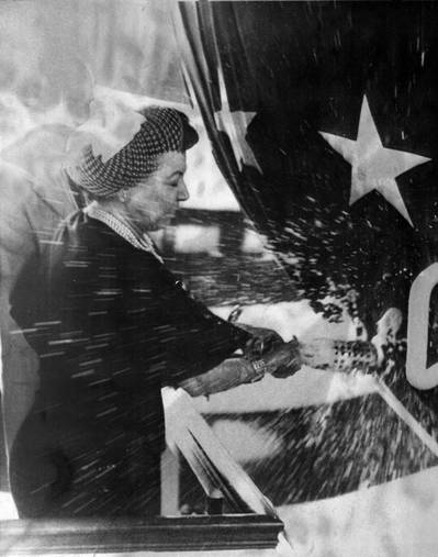 Mrs. R. Anderson christens the George Washington (SSBN-598) at Electric Boat Division of General Dynamics on June 9, 1959 (Photo: Vallejo Naval & Historical Museum)