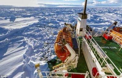 MV Akademik Shokalskiy: Photo courtesy of Expeditions Online