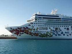 Norwegian Cruise Line Ship: Photo credit Wiki CCL 'Ludger001'