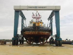 Photo courtesy Marine Travelift Inc.