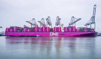 Pic: Port of Rotterdam. Photo: Eric Bakker