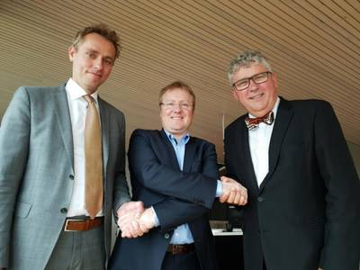 Picture taken after today's signing. From left: Ola Borten Moe (OKEA CCO), Rich Denny (Managing Director A/S Norske Shell) and Erik Haugane (OKEA CEO)