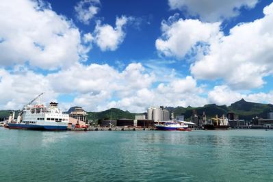 Port Louis, Mauritius (Photo: HullWiper)