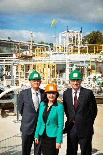 Principals at ACEPT facility: Photo credit Challenger Institute