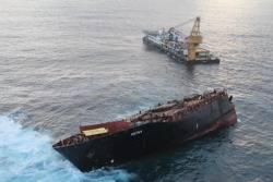 Rena Shipwreck, Svitzer Salvage Vessel: Photo credit Maritime New Zealand