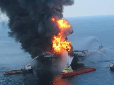 Response crews battle the blazing remnants of the off shore oil rig Deepwater Horizon April 21, 2010 (File photo: U.S. Coast Guard)
